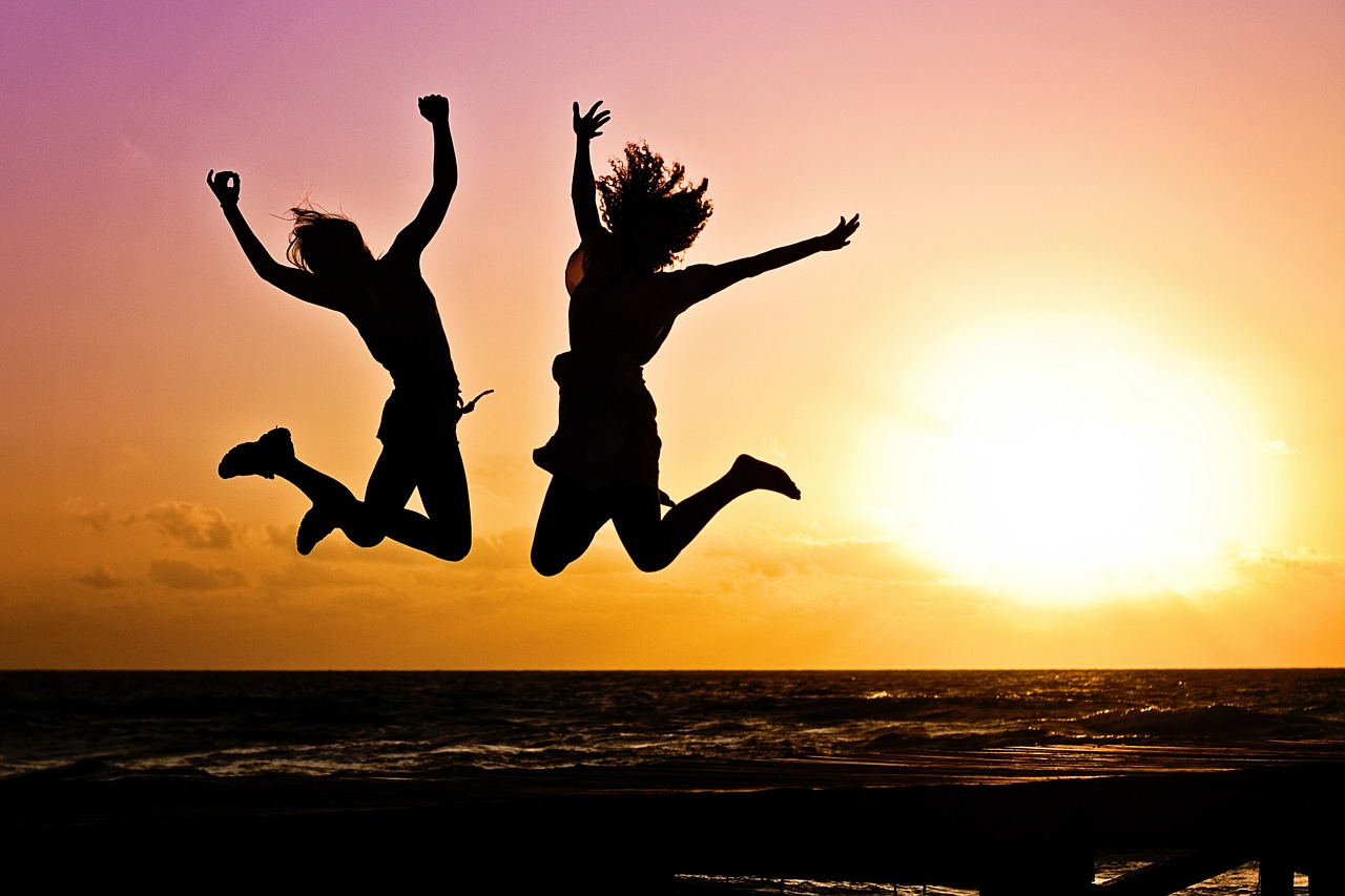 10 TIPS ON HOW TO REMAIN HAPPY